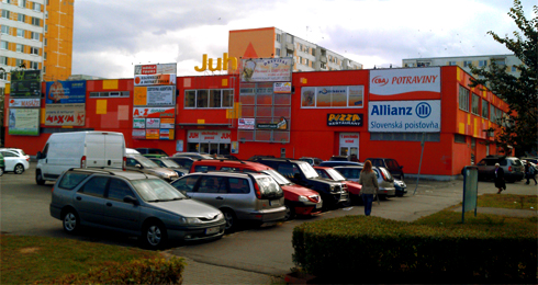 5b3352c82d Obchodné centrum JUH Topoľčany - Reality